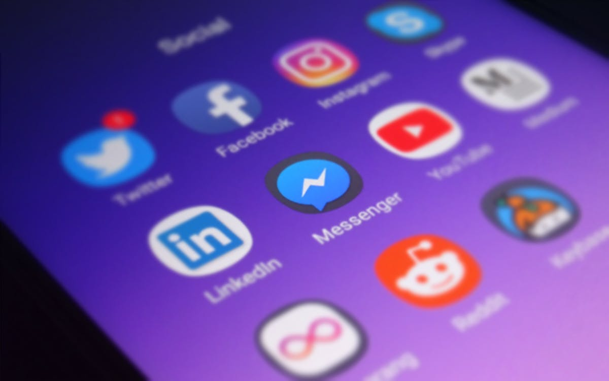 Facebook Mobile App Redesign puts the Focus on Groups and